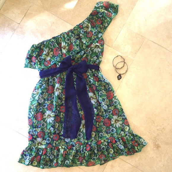 lsenboye Dresses & Skirts - Hippie BOHO Floral One Shoulder Summer Dress